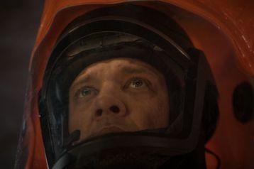 A Chegada: Jeremy Renner como Ian Donnely