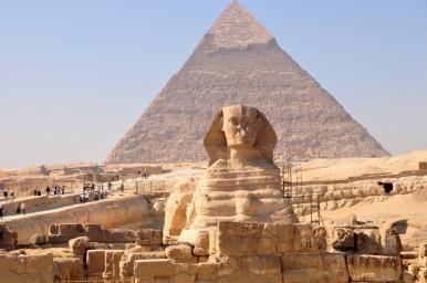 Esfinge e pirâmides no Egito